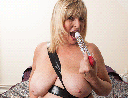 Mature Phone Sex Online UK